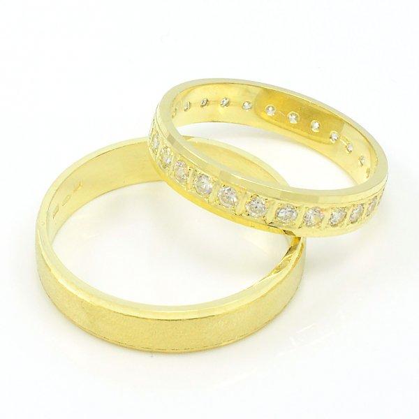 Svadobné obrúčky zo žltého zlata - ploché,multikameňové