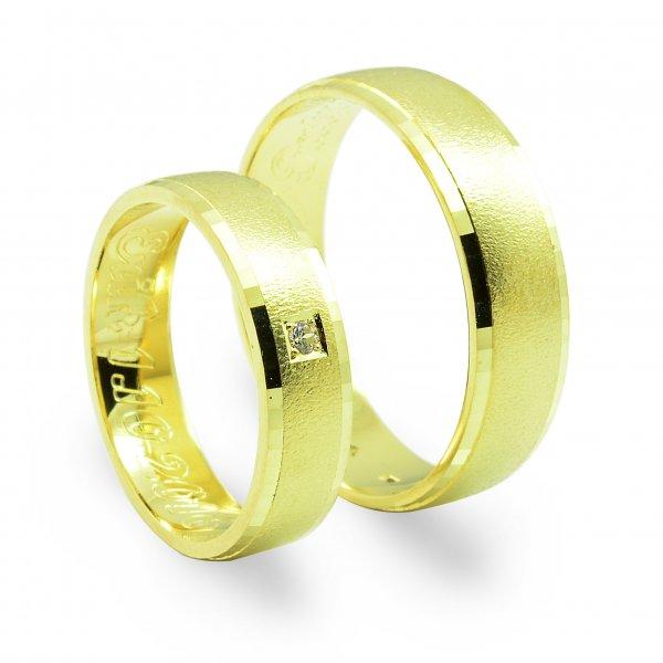 Svadobné obrúčky zo žltého zlata mierne polgulaté široké 4.4 mm