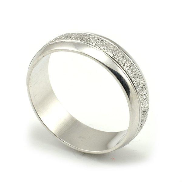Svadobné obrúčky z bieleho zlata široké 6 mm, diamantovanie - dámska